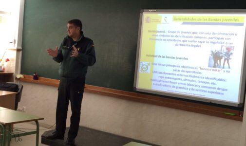 Charla Guardia Civil al alumnado de Bachillerato