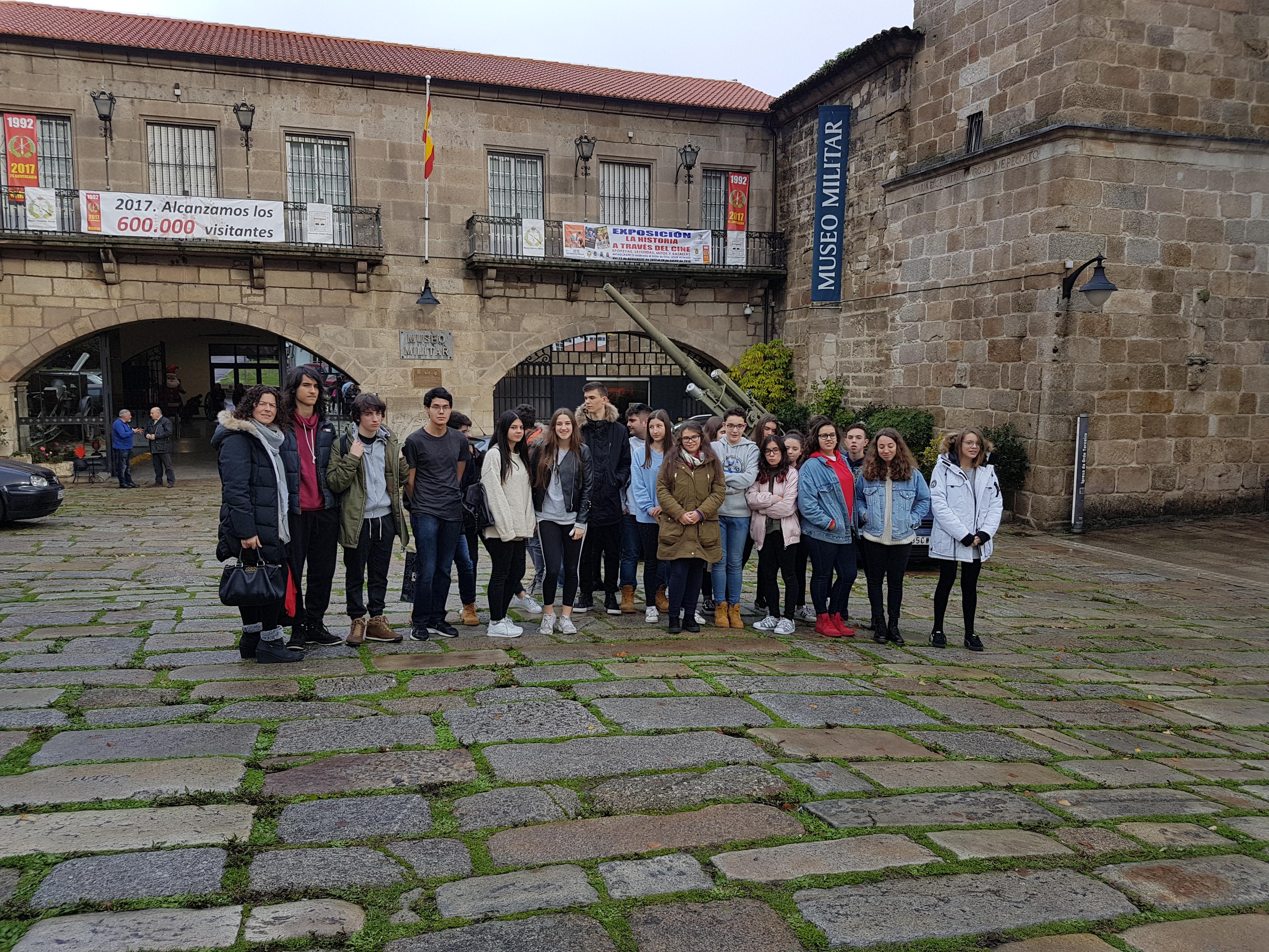 Bacharelato visitou o Museo Militar da Coruña.
