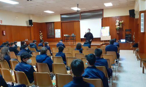 Xosé Antonio Neira Cruz co alumnado de 3º e 4º ESO
